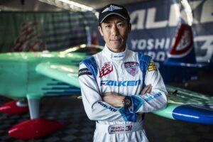 【世界が認める日本の先駆者たち⑤】レッドブル・エアレース・パイロット・室屋義秀 日本人初のワールドタイトルを獲得したパイロット。