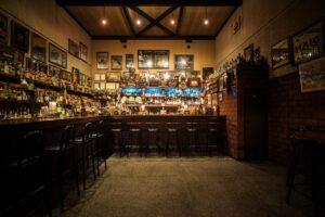 【リノベーション倉庫⑦】オールドウイスキーが眠るモルトバー「SILENCE BAR」。|香川・丸亀