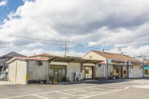 【リノベーション倉庫⑪】大谷石の元倉庫群を改装した、素材感で魅せる大空間モール。|栃木・宇都宮
