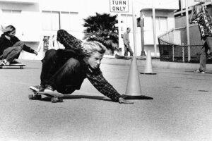 知らずに乗れない! DOGTOWNから始まるスケートボード文化史。